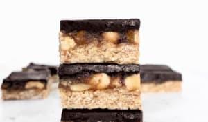 Barres chocolatées au caramel et aux arachides