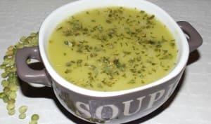 Soupe de pois cassés à la moutarde