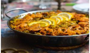 Paella facile au poulet et aux fruits de mer
