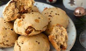 Petits pains aux fruits secs et thé noir de Noël