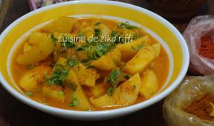 Tajine de pommes de terre carvi coriandre en sauce