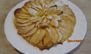 Tartelettes fines aux pommes à la crème d'amandes