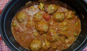 Boulettes de boeuf, porc et veau en sauce au vin rouge