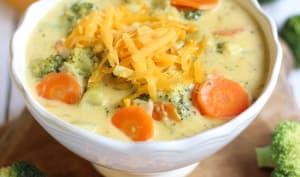 Soupe de brocoli au cheddar