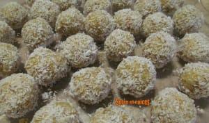 Bonbons aux abricots secs, aux noix et à la noix de coco
