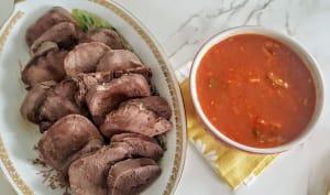 Langue de bœuf sauce tomate piquante