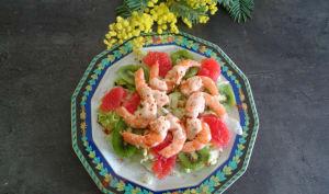 Salade de kiwi et pamplemousse aux crevettes
