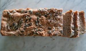 Pain de seigle aux graines