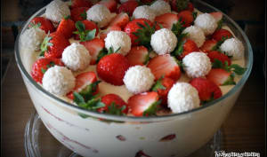 Tiramisù aux biscuits roses et fraises