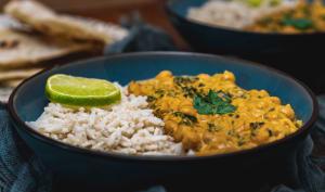 Curry de pois chiches épinards et riz complet