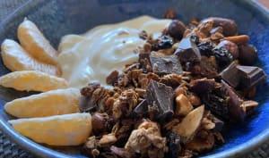 Granola maison au chocolat et fruits secs