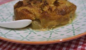 Clafoutis aux poires et brioche séchée