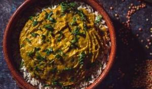 Dal makhani de pois cassés, carottes et patate douce au lait de coco