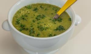 Soupe de panais au poireau et fanes de navets nouveaux