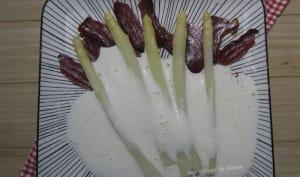 Asperges des sables au magret de canard fumé et espuma de parmesan