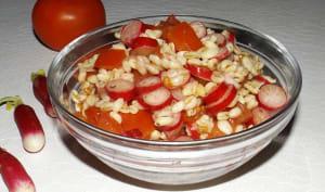 Salade de blé aux tomates et aux radis
