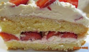 Gâteau aux fraises et à la chantilly