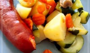 Saucisses fumées et légumes