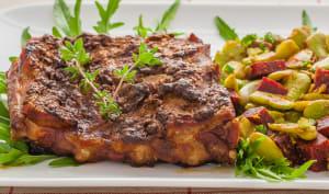 Spare ribs aux épices, salade de fèves et betteraves