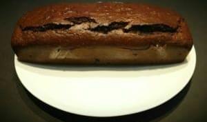 Cake moelleux aux noisettes et chocolat