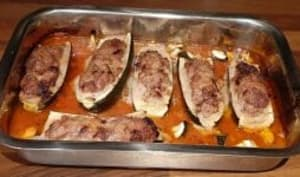 Courgettes farcies, échine de porc et mortadelle