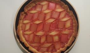 Tarte graphique à la rhubarbe et aux fraises