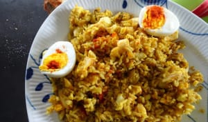 Riz au curry, poisson et œufs