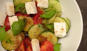 Salade de tomates à la Crescenza de chèvre