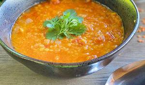 Soupe de lentilles corail, curry coco