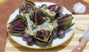Salade chaude aux artichauts vinaigrette à l'ail