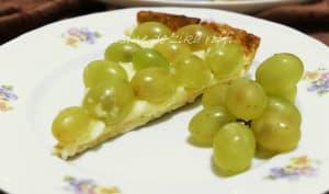 Tarte aux raisins muscat et à la crème amandine