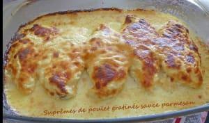 Suprêmes de poulet gratinés sauce parmesan