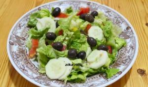 Salade verte concombres tomates