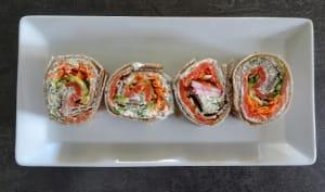 Galettes au sarrasin roulées au saumon fumé et crudités façon maki