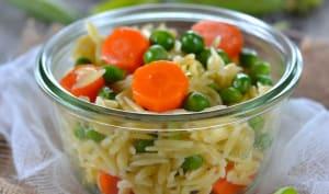 Salade de petit pois, carottes et pâtes orzo