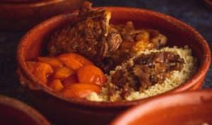 Cuisse de poulet abricots frais et semoule façon tajine