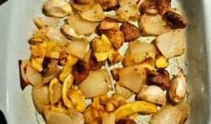 Courgettes jaunes, champignons, oignon, ail et épices