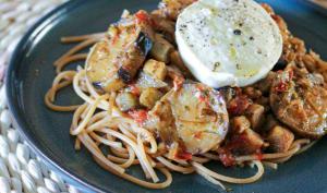 Pâtes complète aux aubergines, tomates et mozzarella