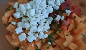 Salade melon, pastèque, feta menthe