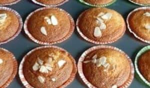 Muffins à la mangue fraîche caramélisée au miel