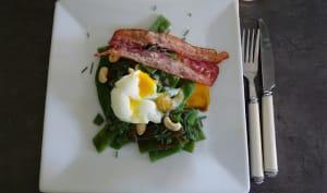 Salade de haricots plats aux œufs mollets