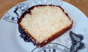 Le cake noix de coco et chocolat