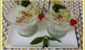 Soupe de concombre à la menthe et fromage blanc