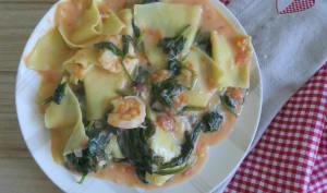 Crevettes aux lasagnes déchiquetées et épinards