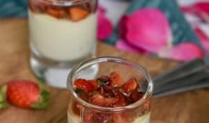 Verrines apéritives ~ Panna cotta chèvre, tomate & fraise