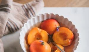 Nage d'abricots au sirop de lavande