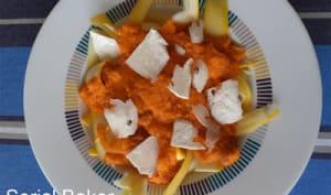 Tagliatelles de courgette jaune à la sauce tomate