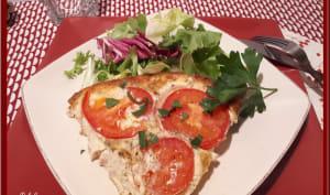 Gâteau d'omelette aux tomates et poulet