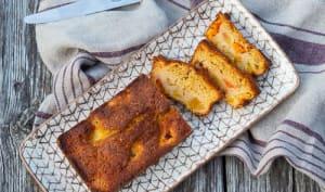 Gâteau moelleux aux abricots et aux pêches