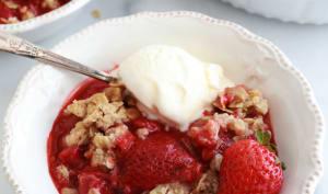 Crumble fraises et flocons d'avoine